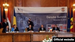 La summitul de la București