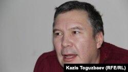 Kazakh civic activist Serikzhan Mambetalin (file photo)