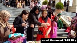 السليمانية: جانب من ورشة لتدريب نساء عاطلات عن العمل