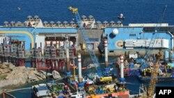 """Operacija """"uspravljanja"""" broda"""