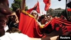 Архивска фотографија: Протести на албански невладини организации во Скопје во мај 2010 година.