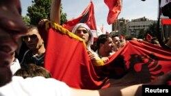Архивска фотографија: Протести на албански невладини организации во Скопје на 10 мај 2010 година.