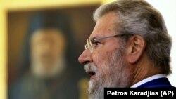РПЦ больше не будет поминать предстоятеля Кипрской церкви Хризостома II (на фото)