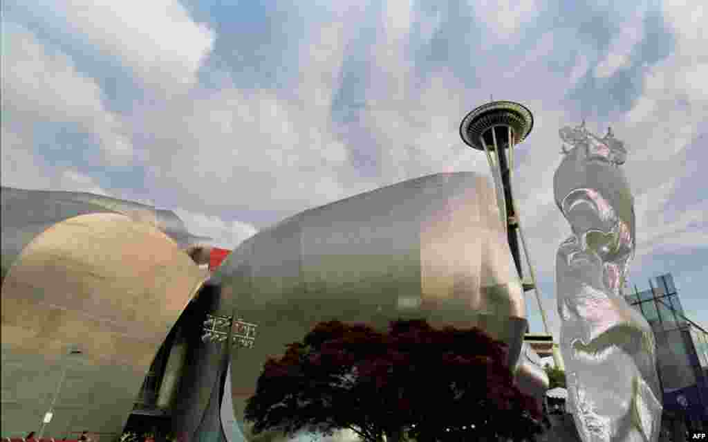 "The Experience Music Project in Seattle, which opened in 2000, was also designed by architect Frank Gehry. It was immediately criticized as ugly and an eyesore but has since grown on the locals. ""The building is strange. We can agree on that,"" the ""Seattle Times"" wrote on the building's 10th anniversary. ""But is it provocative-in-a-good-way strange or just too strange?"""