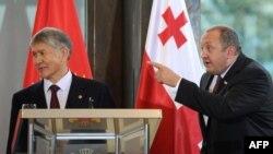 Prezident A.Atambaýew 13-nji oktýabrda Gürjüstanyň prezidenti G.Margwelaşwili bilen gepleşik geçirdi.