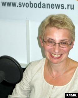 baba-zabila-ochki-v-vannoy-i-soset-seksi-golie-ledi