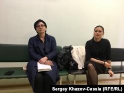 Наталья Халепо (мать Кирилла) и его подруга Дарья Чупрыгина в Московском окружном военном суде. 14 июня 2017 г.