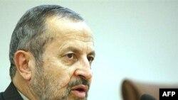 آقا افشار می گوید که مدارک رد صلاحیت در هر صورت به داوطلیان اعلام نمی شود.