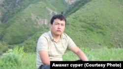Токтобек Үсөнов.