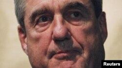 Директорот на ФБИ, Роберт Милер.