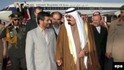 Маҳмуди Аҳмадинажод, раисиҷумҳури Эрон бо иттифоқи Абдулло бин Абдулазиз, подшоҳи Арабистони Саудӣ