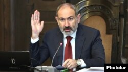Armenia -- Prime Minister Nikol Pashinian holds a cabinet meeting in Yerevan, January 16, 2020.
