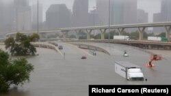Пострадавший от наводнения Хьюстон, США, 27 августа 2017 года