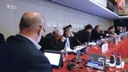 ЕҚЫҰ кеңесіне қатысып отырған тәжік делегациясы. Варшава, 14 қыркүйек 2018 жыл.