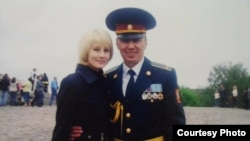 Іван Без'язиков з дружиною