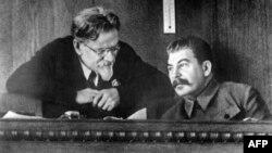 Михаил Калинин и Иосиф Сталин