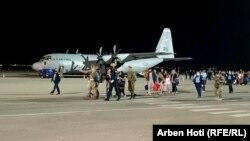 Grupi i parë i refugjatëve afganë ka arritur në Kosovë më 29 gusht, 2021.