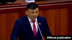Депутат Акылбек Кемелов.