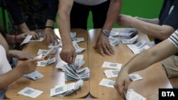 Преброяване на гласовете в избирателна комисия, 11 юли 2021 г.