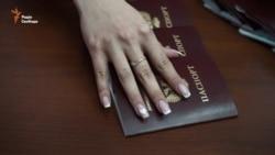 «Росія визнала наші «паспорти», інших змусимо» – ватажок бойовиків Захарченко (відео)