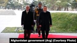 Ташкент и Кабул подписали соглашение остроительстве ЛЭП «Сурхон – Пули – Хумри» вдекабре 2017 года входе визита вУзбекистан президента Афганистана Ашрафа Гани.