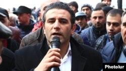 Артак Хачатрян во время акции протеста представителей малого и среднего бизнеса в Ереване, 29 января 2015 г․