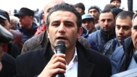 Amenia - Artak Khachatrian, a Prosperous Armenia Party activist, addresses small business owners protesting in Yerevan, 29Jan2015.