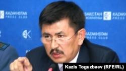 Курманбек Артыкбаев в бытность начальником департамента таможенного контроля по Алматинской области. Алматы, 25 ноября 2010 года.