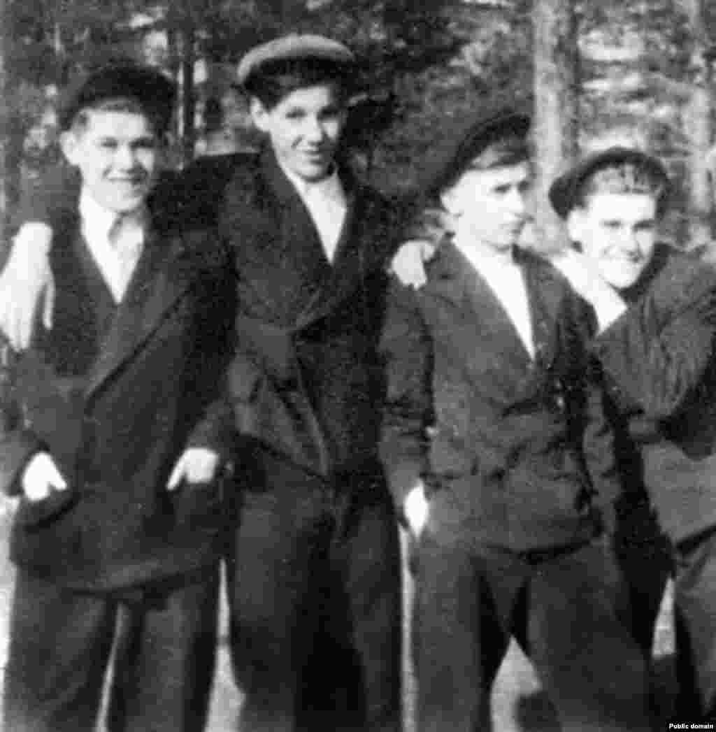 Boris Yeltsin (center left) chilling with friends in Stalin's Soviet Union. The future president of Russia was popular and academically gifted as a child, but his love for practical jokes led to him blowing two fingers off his left hand, reportedly with a grenade.