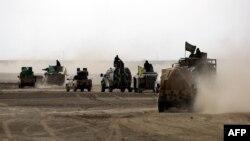 نیروهای دمکراتیک سوریه در شمالشرق رقه. سخنگوی این گروه گفته به نظر این گروه «طی چند هفته پیشرو، شهر در محاصره کامل قرار گیرد»