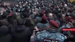 Yerevanda 5 aksiyaçı həbs edilib
