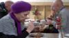 Благотворительные обеды для пожилых людей