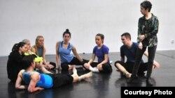 Американската кореографка Џенис Бренер и Скопје танцов театар.