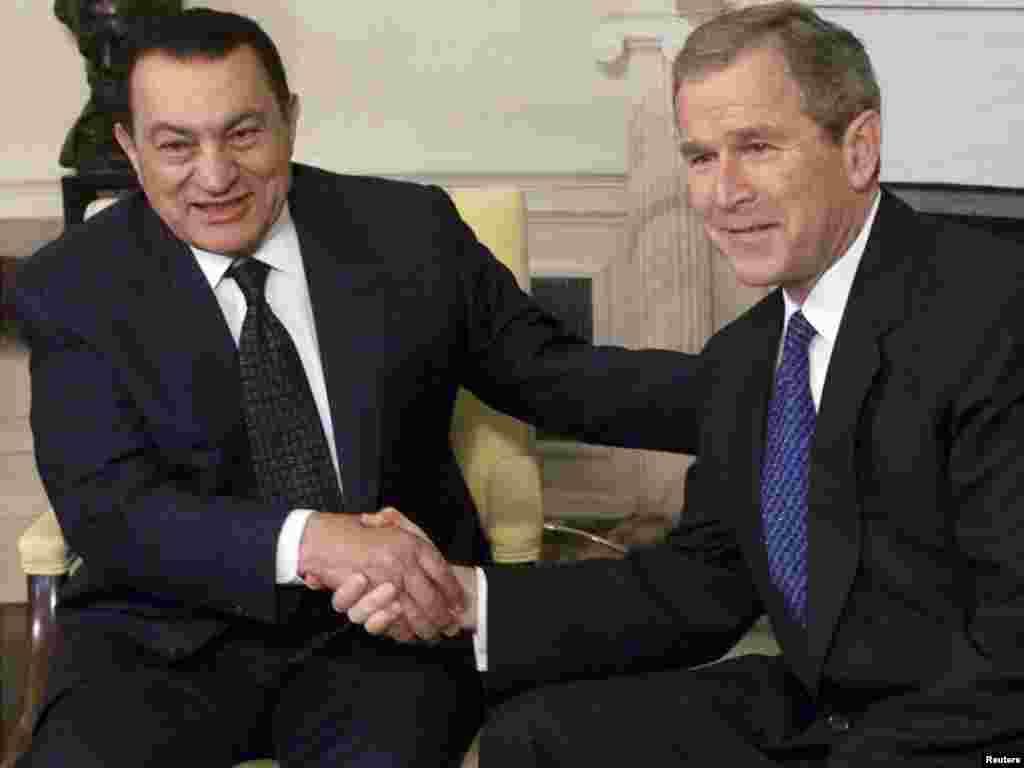 Квітень 2001 року, зустріч із президентом США Джорджем Бушем