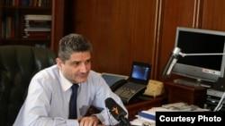 Премьер-министр Армении Тигран Саргсян дает интервью Радио Азатутюн, Ереван, 16 июля 2011 г.