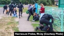 Беларусда камида 5 минг норози қўлга олинган.