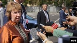 Глава внешнеполитического ведомства ЕС Кэтрин Эштон прибыла на неформальное заседание Евросоюза в Милане, 29 августа 2014 года.