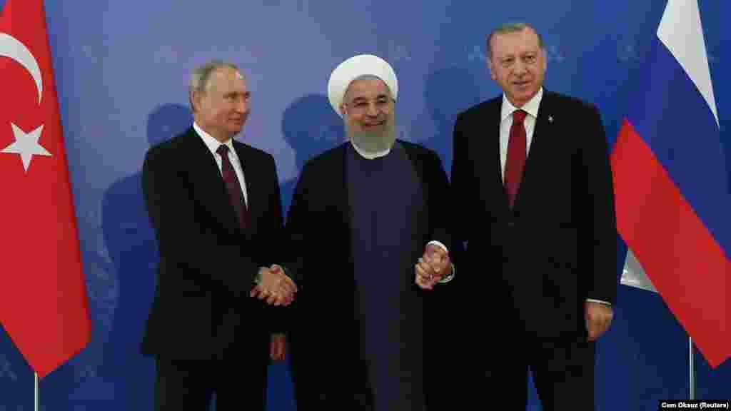 РУСИЈА - Претседателите на Русија, Турција и Иран, Владимир Путин, Реџеп Таип Ердоган и Хасан Рохани, на 16 септември во Анкара ќе одржат состанок на кој ќе ја разгледаат ситуацијата во сирискиот регион Идлиб.