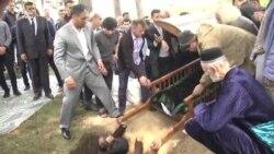 Мумин Каноат похоронен на кладбище в Лучобе