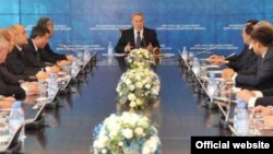 """Заседание партии """"Нур Отан"""". Иллюстративное фото."""