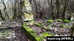 На сельском кладбище хоронят уже несколько столетий