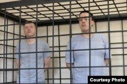 Михаил Безменский и Игорь Житенев в зале суда
