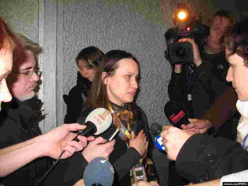Вольга Някляева падчас прэс-канфэрэнцыі місіі назіральнікаў АБСЭ