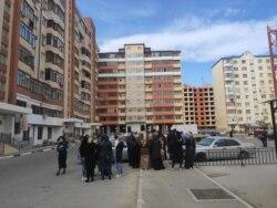 Народный сход в поддержку семьи Калимат Омаровой