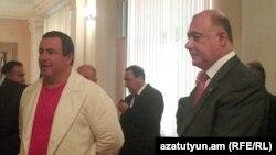 Лидер партии «Процветающая Армения» Гагик Царукян (слева) и Самвел Баласанян (архивная фотография)