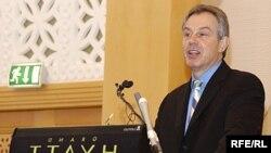 Блэр обозначил политическую позицию, но решение принимать бизнесу - считают российские аналитики