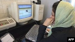 """Many Iranians have complained of disruptions to Gmail and other """"foreign"""" e-mail services in recent months."""