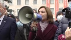 Protest în fața Parlamentului de la Chișinău: Maia Sandu