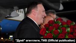 АКШнын мамлекеттик катчысы Майк Помпео Ташкент шаарынын аэропортунда. 2-февраль, 2020-жыл.
