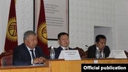 Встреча в Баткенской области с участием Дуйшенбека Зилалиева.